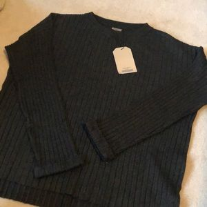 Zara girls knit crewneck!